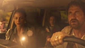 Morena Baccarin und Gerard Butler im Katastrophen-Hit 'Greenland' © TOBIS Film