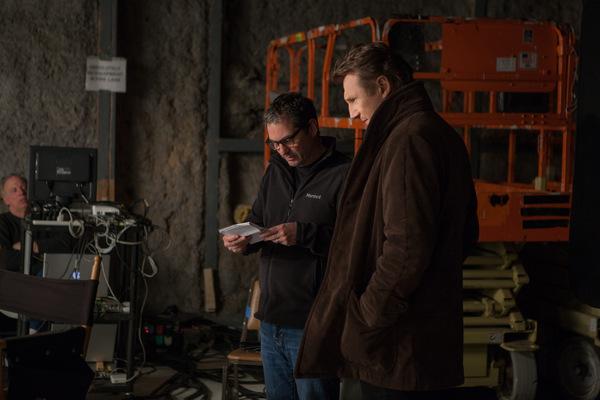 Regisseur Scott Frank mit seinem Star Liam Neeson bei den 'Ruhet in Frieden' Dreharbeiten © SquareOne
