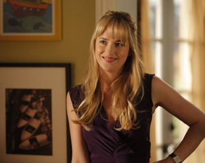 Dakota Johnson in 'Ben and Kate' © 20th Century Fox
