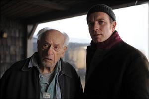 Eli Wallach mit 'Ghostwriter' Ewan McGregor