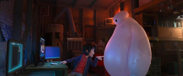 Hiro mit seinem neuen Gefährten 'Baymax' © Disney