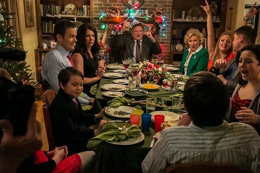 Frohe Weihnachten Film.Furchtbar Fröhliche Weihnachten Dvd Oder Blu Ray Leihen