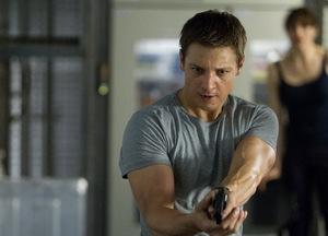 2012: Jeremy Renner in 'Das Bourne Vermächtnis' © Universal