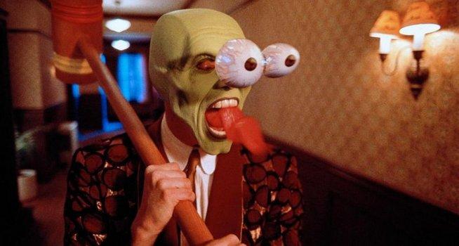 Welche Sie die Masken bei der Pergamenthaut der Person machen