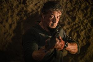 Auch 'John Rambo' sagt Corona den Kampf an!