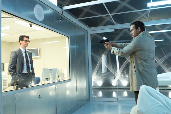 Matthew Goode und Ryan Reynolds in 'Self/less' Concorde Filmverleih