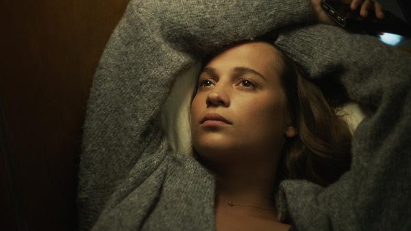 Alicia Vikander in 'Grenzenlos'