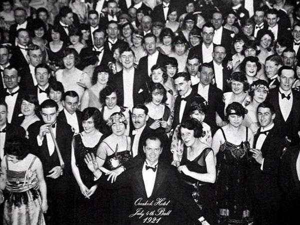 In 'Shining': Jack Torrance (Jack Nicholson) auf dem Foto des 'Overlook Hotel' Balls 1921 © Warner Home Video