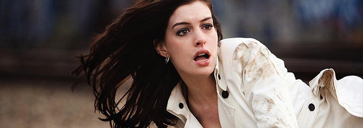 Colossal mit Anne Hathaway: Anne Hathaway trifft auf Monster-Eidechse