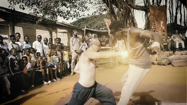 Schlagfertige 'African Kung-Fu Nazis' © Busch Media Group