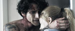 Neu im VoD: Tyler Posey mit Summer Spiro in 'Stay Alive' © Lionsgate/Capelight