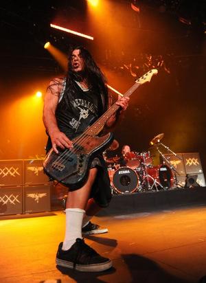 Am Bass: Robert Trujillo