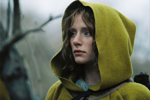 Bryce Dallas Howard in 'The Village' (USA 2004) © Touchstone