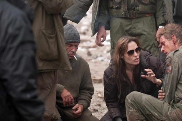 Jolie beim Dreh zu 'In the Land of Blood and Honey'