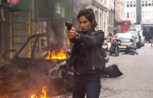 Elodie Yung als Amelia Roussel in 'Killer's Bodyguard' © EuroVideo