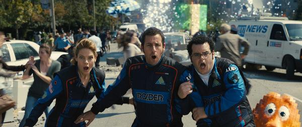 Michelle Monaghan, Adam Sandler und Josh Gad in 'Pixels'