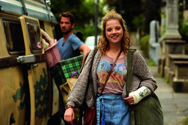 Jella Haase in 'Vielmachglas' (2018) © Warner Bros.