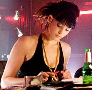 Gemma als 'June' in 'RocknRolla' (2008) © Warner Home Video