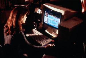 1995: Sandra Bullock am PC
