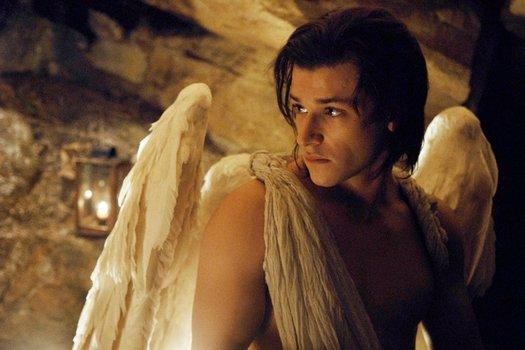 Der Engel mit den dunklen Flügeln