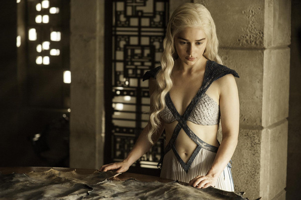 Emilia Clarke als Daenerys in 'Game of Thrones' © HBO 2014