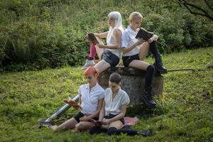 Das sind sie: 'Die traurigen Mädchen aus den Bergen' © Busch Media Group