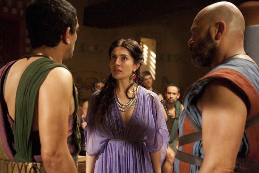 Karina testa and joana barrios in odysseus s01e03 - 1 part 3