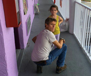 Willem Dafoe und Brooklynn Prince in 'Florida Project'