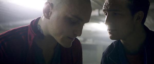 Boxer (Franz Rogowski) und Sonne (Frederick Lau)