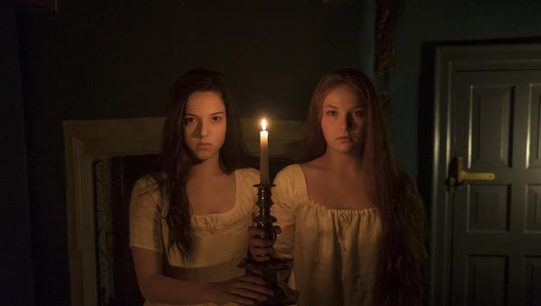 Hannah Rae und Devrim Lingnau in 'Carmilla' 2019 © Busch Media Group