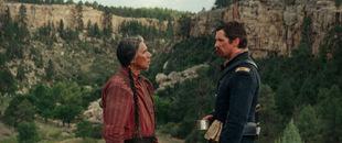Wes Studi und Christian Bale in 'Hostiles - Feinde'