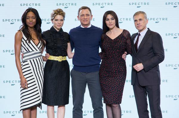 Beim Pressetermin (v.l.): Naomie Harris, Léa Seydoux, Daniel Craig, Monica Bellucci und Christoph Waltz © Sony