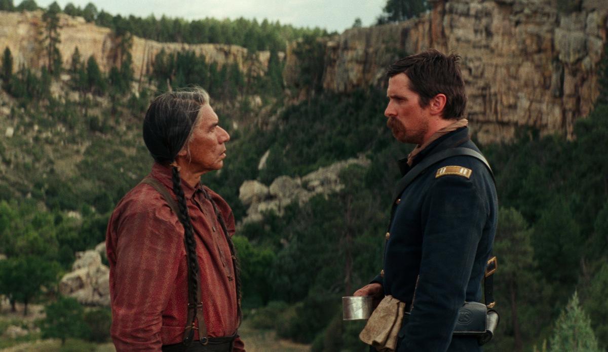 Hostiles - Feinde: Christian Bale stürmt mit 'Hostiles' die US-Kinocharts
