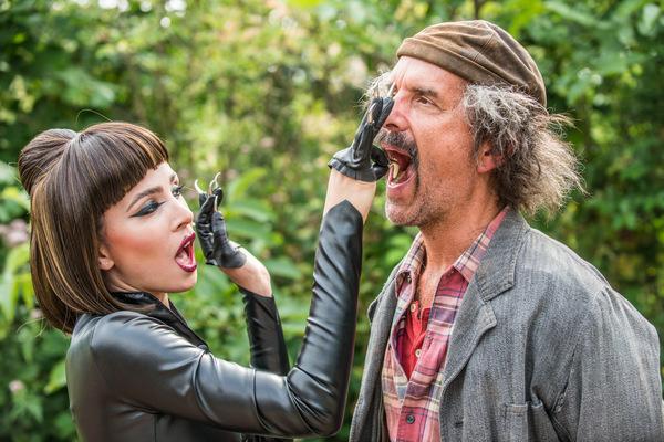 Aylin Tezel und Christoph Maria Herbst in 'Liliane Susewind - Ein tierisches Abenteuer' © Sony Pictures