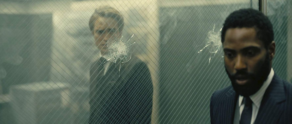 Robert Pattinson und John David Washington in 'Tenet' © Warner Bros.
