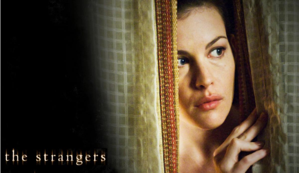 The Strangers Filmkritik: Psycho-Horror der Ihre geheimsten Ängste entfacht