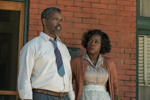 Viola Davis & Denzel Washington in 'Fences' © Paramount Pictures