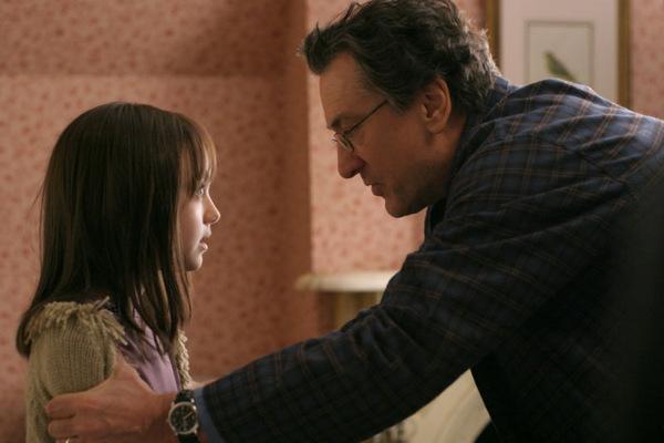 ...mit Robert De Niro in 'Hide and Seek' © 20th Century Fox 2005...