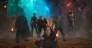 'Mantis' Pom Klementieff mit den Guardians im Hintergrund