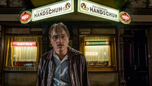 Jonas Dassler in 'Der Goldene Handschuh'