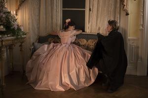 Emma Watson erhält Regieanweisungen von Greta Gerwig © Sony Pictures