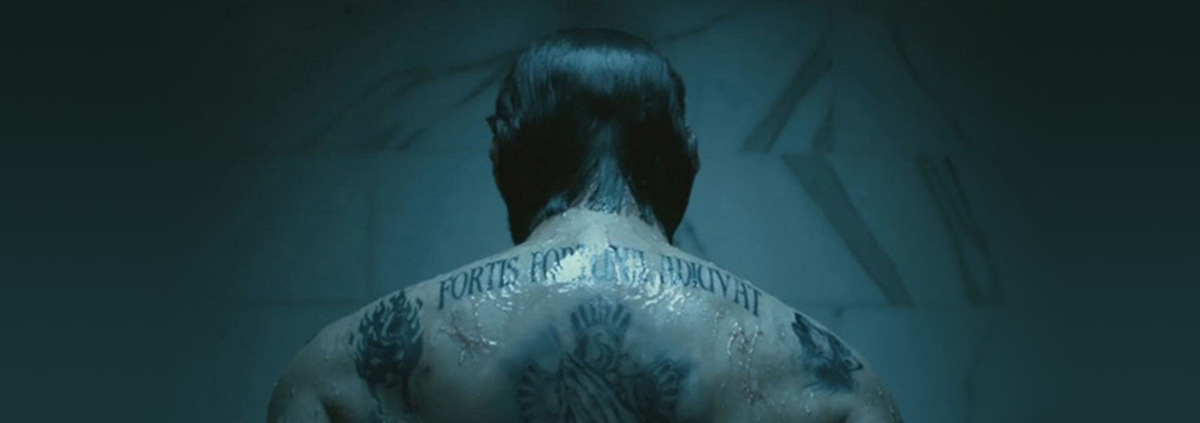 Keanu Reeves und seine Tattoos im Film-Hit 'John Wick - Rache kennt keine Gnade' (USA 2014) © Summit Entertainment