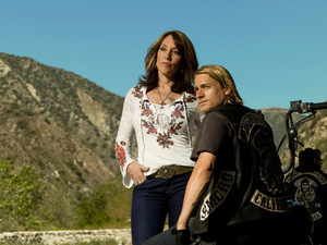 Charlie Humman und Katey Sagal in 'Sons of Anarchy'