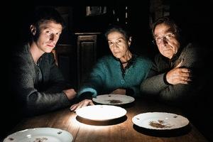 Golo Euler, Hannelore Elsner und Elmar Wepper in 'Kirschblüten & Dämonen' © 2018 Constantin Film Verleih GmbH