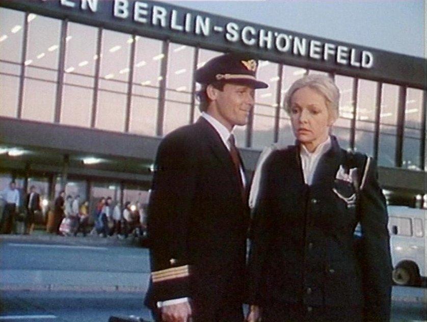 Treffpunkt Flughafen: DVD oder Blu-ray leihen - VIDEOBUSTER.de