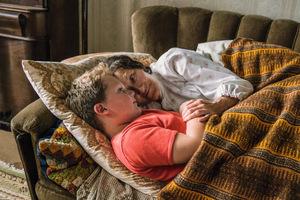 Julius Weckauf und Ursula Werner in 'Der Junge muss an die frische Luft' © Warner Bros.